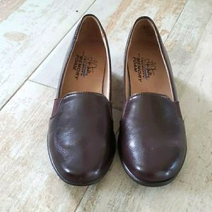Life Stride Brown Shoes NWOT